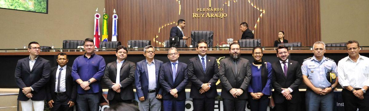 Assembleia Legislativa do Amazonas homenageia Instituto Mamirauá