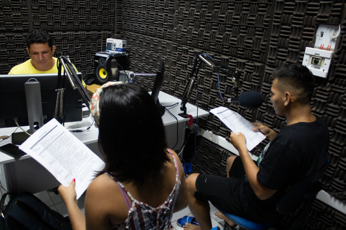 'Ligado no Mamirauá' lança programa de rádio apresentado por jovens do CVT